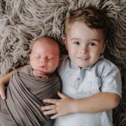 Geschwisterfotos beim Babyfotoshooting